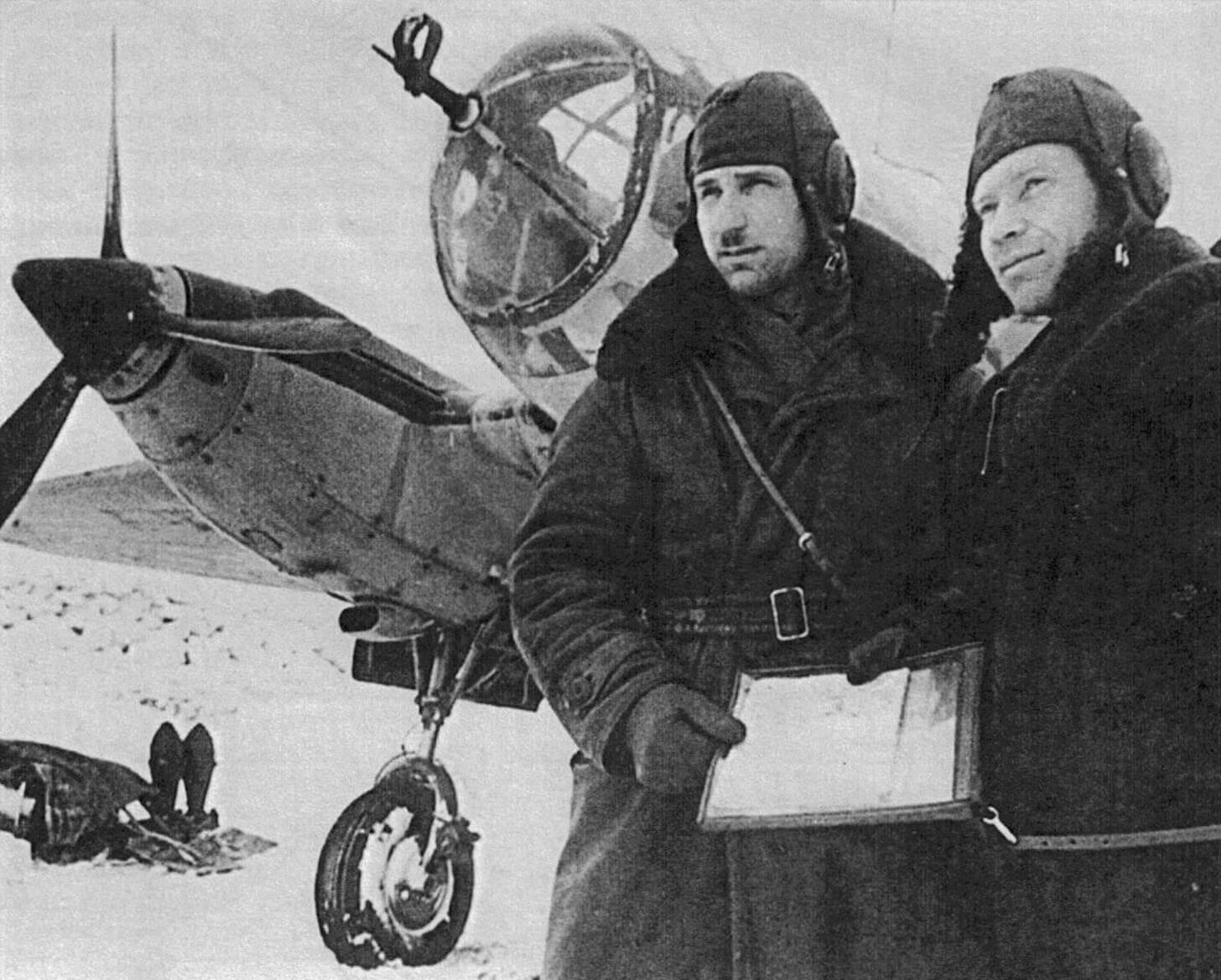 Экипаж Ар-2 на фронтовом аэродроме. Зима 1941 - 1942 гг.