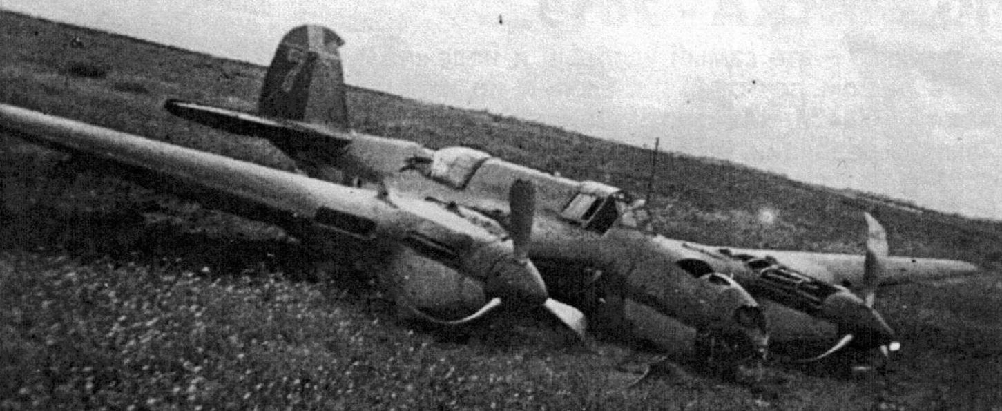 Вынужденная посадка Ар-2 в поле