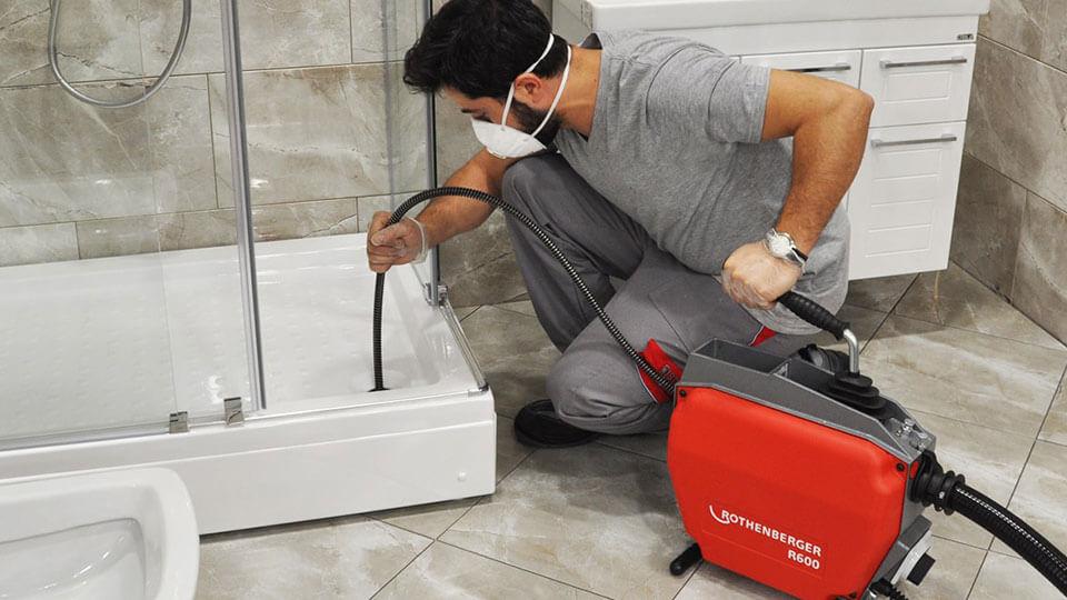 Прочистка канализации своими руками в домашних условиях