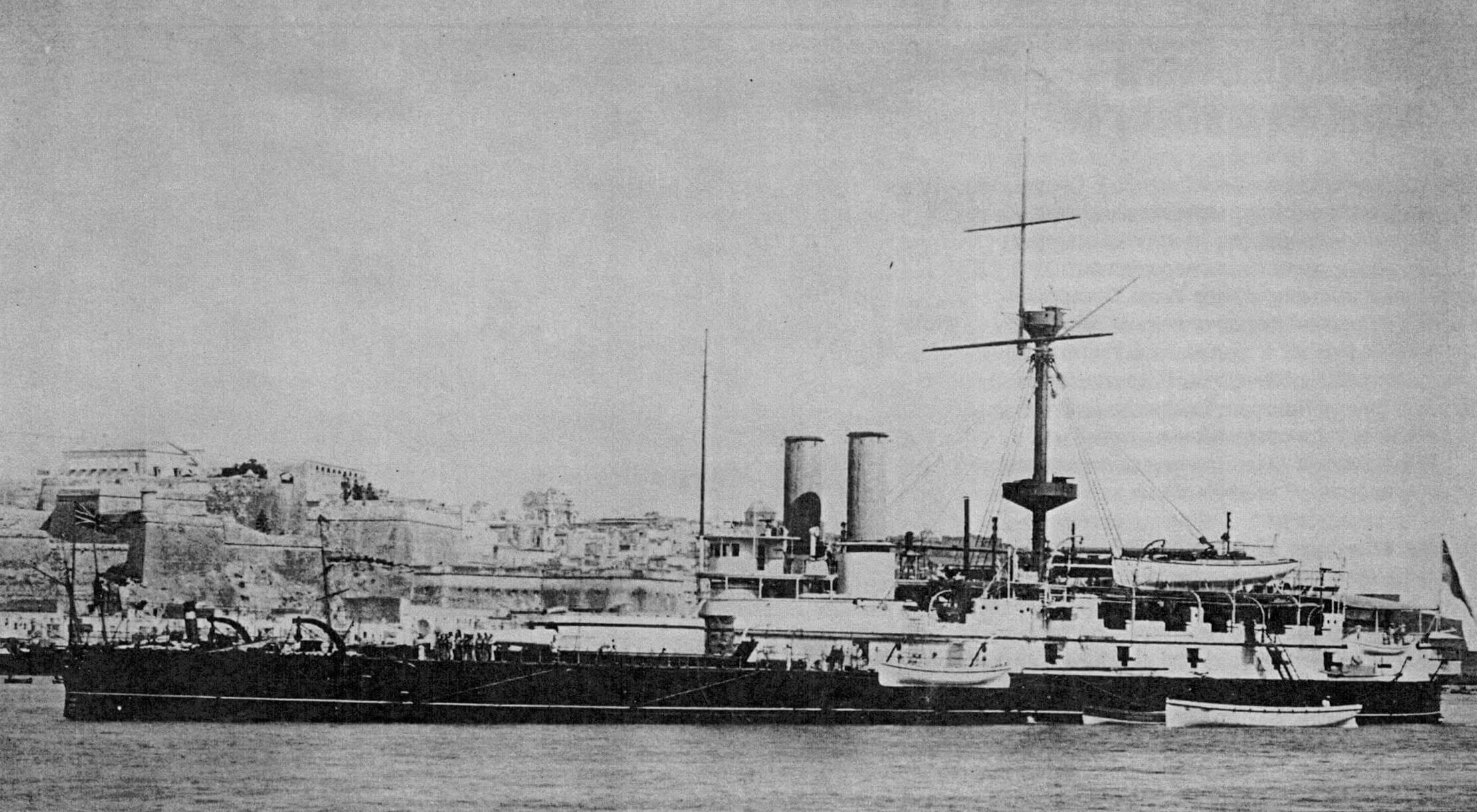 Флагманский броненосец вице-адмирала Джорджа Трайона «Виктория»