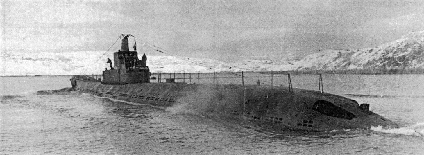 Крейсерская подводная лодка К-3 - одна из представительниц XIV серии, которую первоначально и предполагалось оснастить бортовыми самолетами-разведчиками