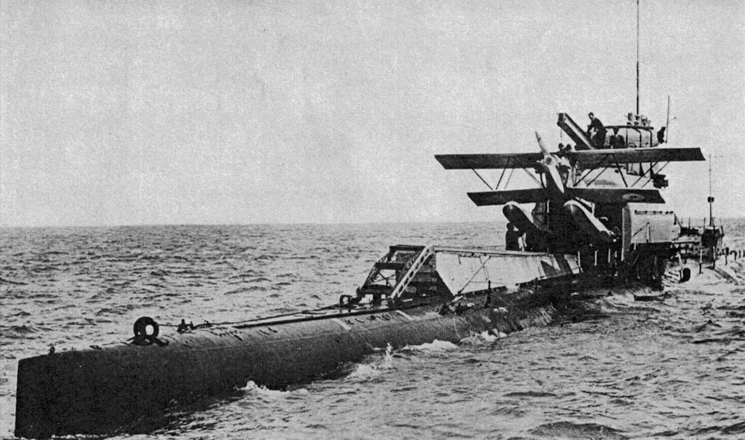Британская субмарина М-2 с бортовым гидросамолетом Parnall Peto
