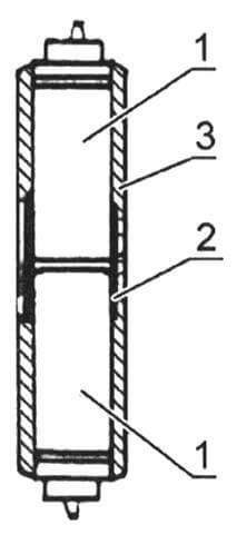 Соединение электролитических конденсаторов: 1 - конденсатор; 2 - металлический соединительный хомут; 3 - изоляционное покрытие