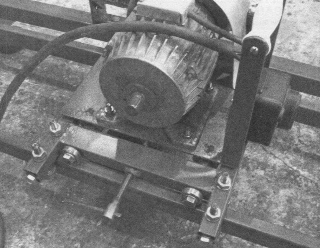 Электродвигатель и пускатель