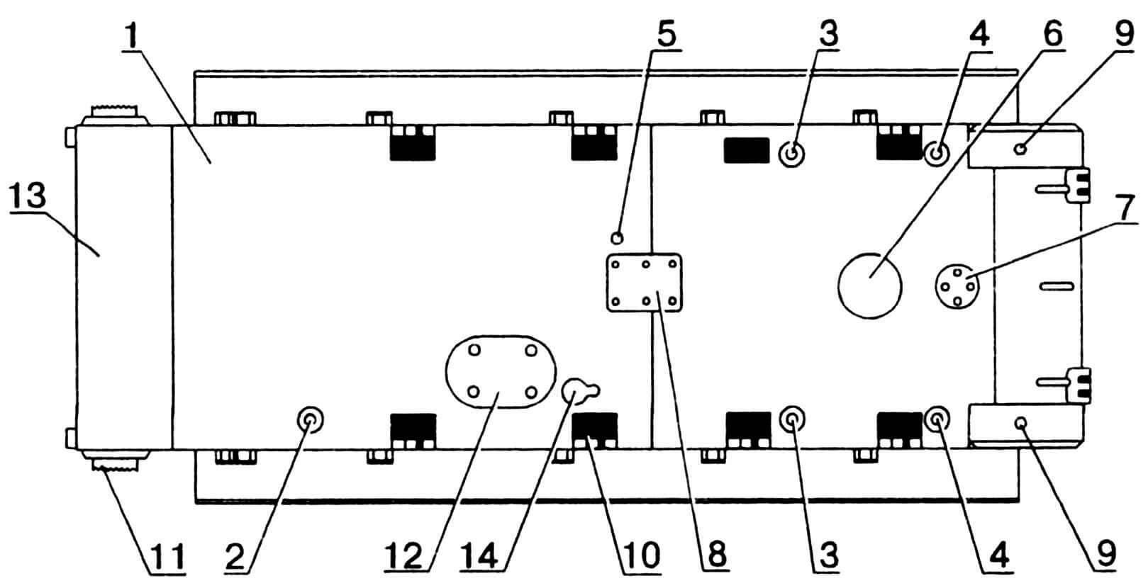 Днище корпуса: 1 — днище; 2 — пробка лючка для слива топлива из переднего бака; 3 — пробки лючков для слива масла; 4 — пробки лючков для слива топлива из бортовых баков; 5 — отверстие для слива воды; 6 — колпак под вентилятором; 7 — крышка лючка для слива масла из коробки передач; 8 — крышка лючка под двигателем; 9 — пробки отверстий для слива масла из бортовых передач; 10 — вырез шахты; 11 — кронштейн направляющего колеса; 12 — крышка люка запасного выхода; 13 — лист носовой нижний; 14 — крышка лючка для выпуска продуктов сгорания из подогревателя.