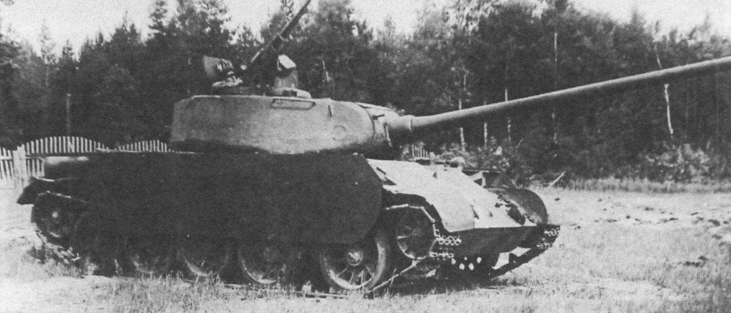 Т-44 с экранами, защищающими танк от кумулятивных снарядов