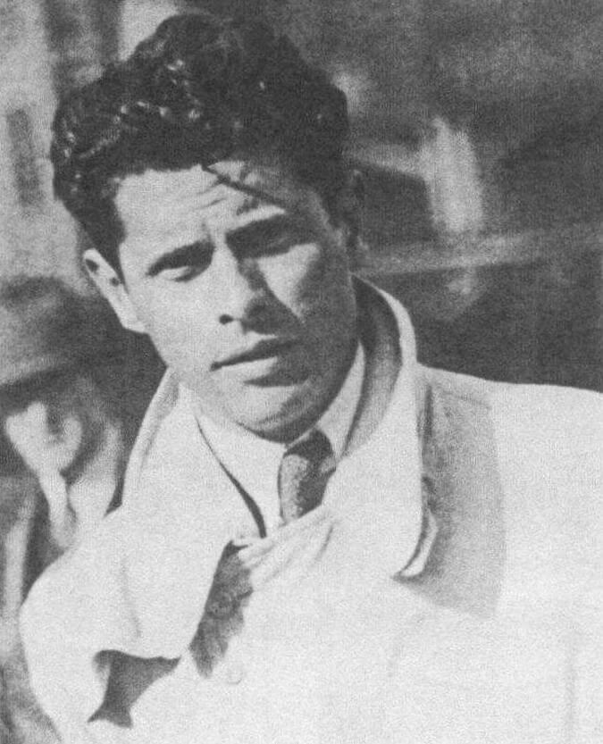 Андре Лефевр начинал в 1916 году как авиационный инженер, с 1931 года работал на Луи Рено. У Citroen руководил проектами Traction Avant, 2CV, Prototype С, Туре Н и DS