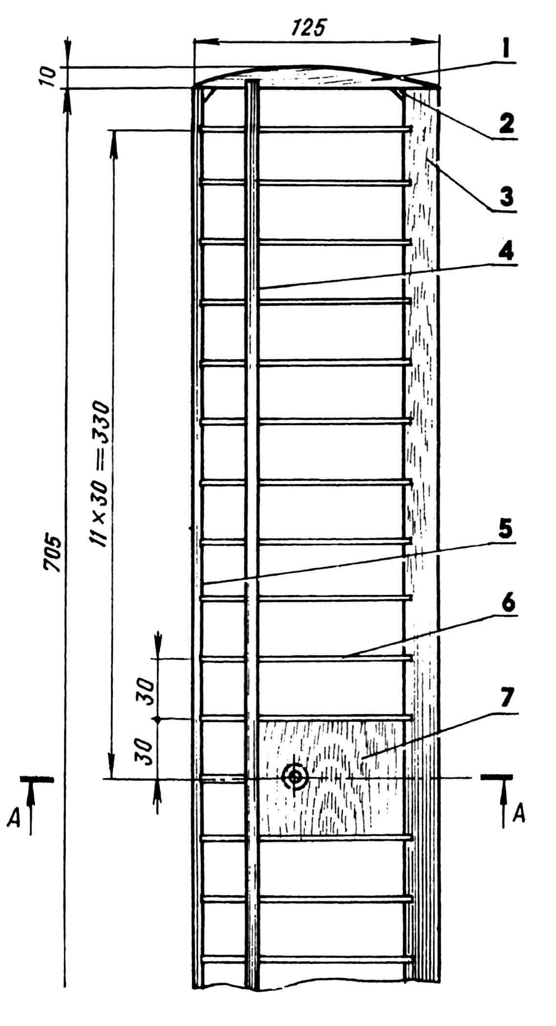 Крыло:1 — законцовка (липа, рейка 15x10); 2 — косынка усиливающая (фанера березовая, s2); 3 — кромка задняя (сосна, рейка 15x5); 4 — лонжерон (сосна, рейка 6x4); 5 — носок крыла (сосна, рейка 8x5); 6 — нервюра (фанера березовая или школьная линейка, s1...2); 7 — зашивка центральной части (шпон s2); 8 — бобышка (сосна).