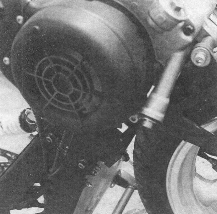 Двигатель воздушного принудительного охлаждения позаимствован у скутера