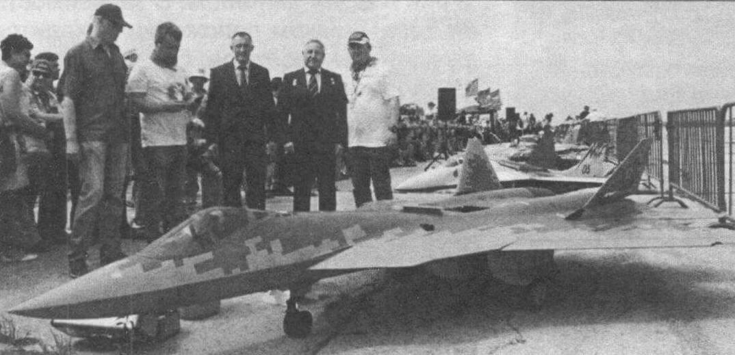Радиоуправляемая копия Су-57 (масштаб 1:5, клуб RusJet)