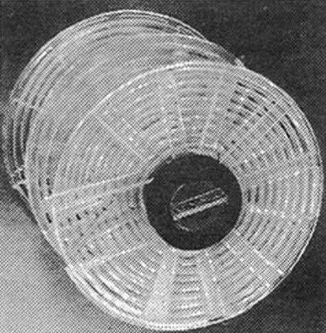 Нижняя часть втулки улиток с вклеенной пластинкой.