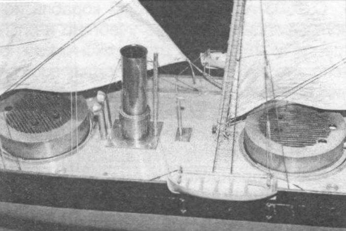 Превосходно выполненная модель броненосной батареи «Рольф Краке» позволяет рассмотреть особенности внешнего вида первого (по времени вступления в строй) в европейских водах башенного броненосца