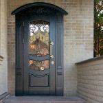 Выбор стальных дверей для загородного дома