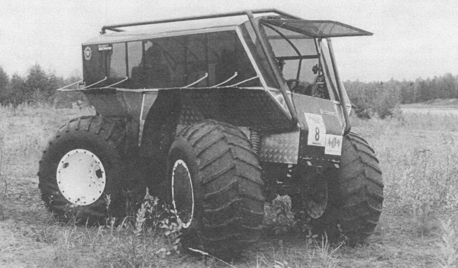 Walle примечателен полноуправляемым шасси и кузовом вагонной компоновки