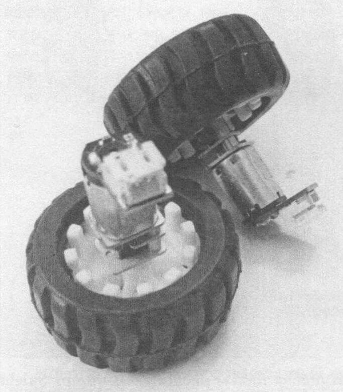 Крепление колес к моторам
