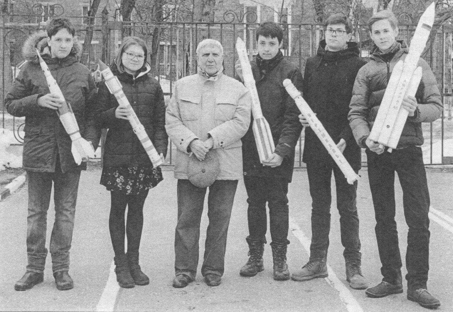 Виктор Семенович Рожков со своими воспитанниками, Электросталь, 2018 год