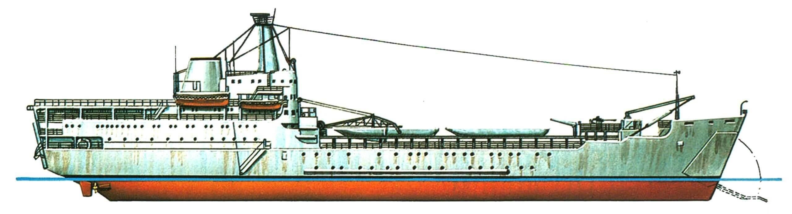 39. Танкодесантный корабль «Сэр Ланселот», Англия, 1964 г. Водоизмещение стандартное 3270 т, полное 5675 т. Длина максимальная 116,8 м, ширина 19,6 м, осадка 4,3 м. Два дизеля общей мощностью 9500 л.с., скорость 17 узлов. Вооружение: два 40-мм зенитных автомата (устанавливаются только в военное время). Вместимость: до 535 десантников или до 1500 т груза. Всего в 1964 — 1967 годах построено 6 единиц: «Сэр Галахэд», «Сэр Ланселот», «Сэр Бедивер», «Сэр Тристам», «Сэр Джервэн» и «Сэр Персиваль».