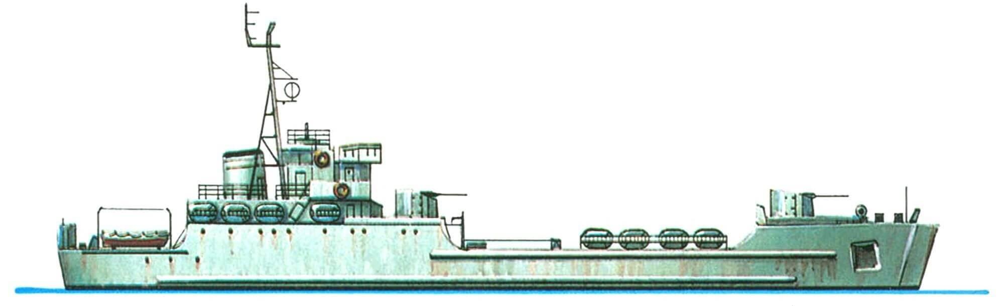 47.Средний десантный корабль СДК-7 (проект 188), СССР, 1958 г. Водоизмещение стандартное 1020 т, полное 1430 т. Длина 74,7 м, ширина 11,3 м, осадка 2,4 м. 2 дизеля общей мощностью 4000 л.с., скорость 14 узлов. Вооружение: четыре 57-мм зенитных орудия. Вместимость: 3 тяжелых или 5 средних танков или 350 десантников. Всего в 1958 — 1963 годах построено 19 единиц.