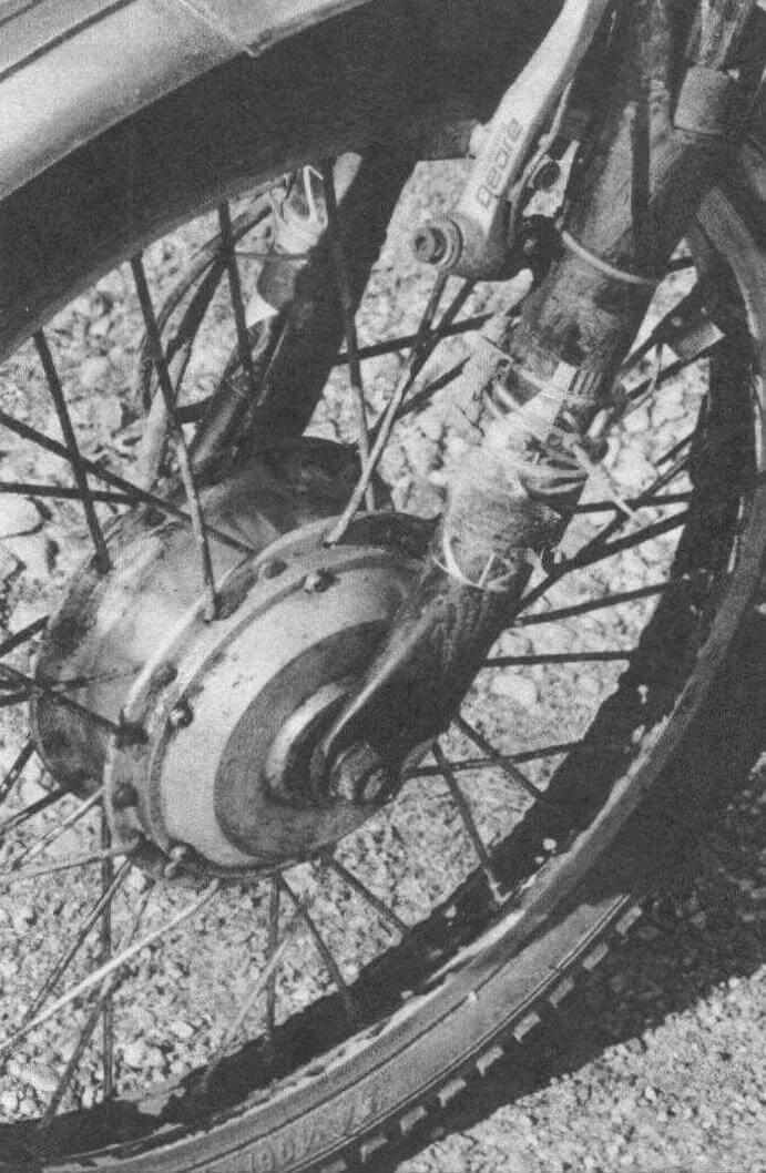 Переднее колесо имеет встроенный электромотор
