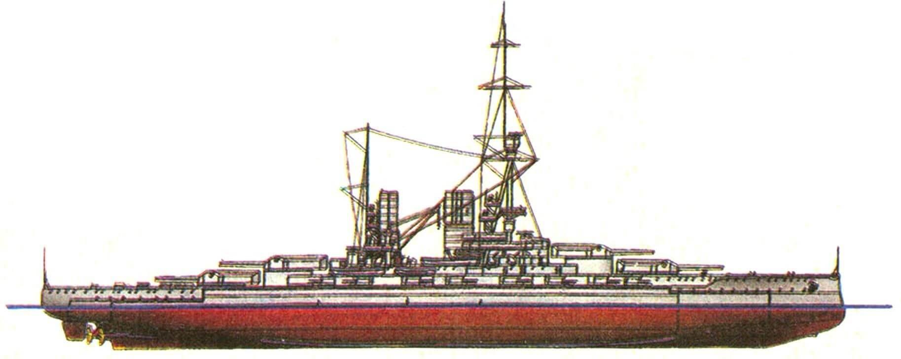 205. Линейный норабль «БАЙЕРН», Германия, 1916 г. Заложен в 1913 г., спущен на воду в 1915 г. Водоизмещение нормальное 28100 т, полное 31700 т, длина максимальная 179 м, ширина 30 м, осадка 9,4 м. Мощность трехвальной турбинной установки 48000 л.с., скорость 21,5 уз. Броня: главный пояс 350 мм, в оконечностях — 180—120 мм, верхний пояс 250 мм, казематы 170 мм, башни и барбеты 3,50 мм, палубы: 30+120...30 мм, рубка 350 мм. Вооружение: восемь 380-мм и шестнадцать 150-мм орудий, восемь 88-мм зениток. Всего заложено 4 единицы: «Байерн», «Баден» (1917 г.), «Заксен» и «Вюртемберг» (оба не закончены).