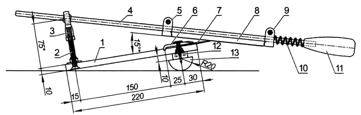 Ножеточка в сборе: 1 - основание из разделочной доски; 2 - винт М8; 3 - шарнирный подшипник; 4 - ось; 5 - неподвижный держатель абразивного камня; 6 - прижимная планка; 7 — клинок ножа (показан условно); 8 - точильный камень; 9 - подвижный держатель камня; 10 - пружина от зонтика; 11 - ручка; 12 - проставка (3 шт); 13 - подставка
