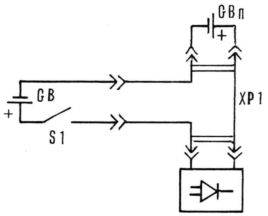 Рис. 2. Схема питания радиобудильника с использованием разъема-переходника.