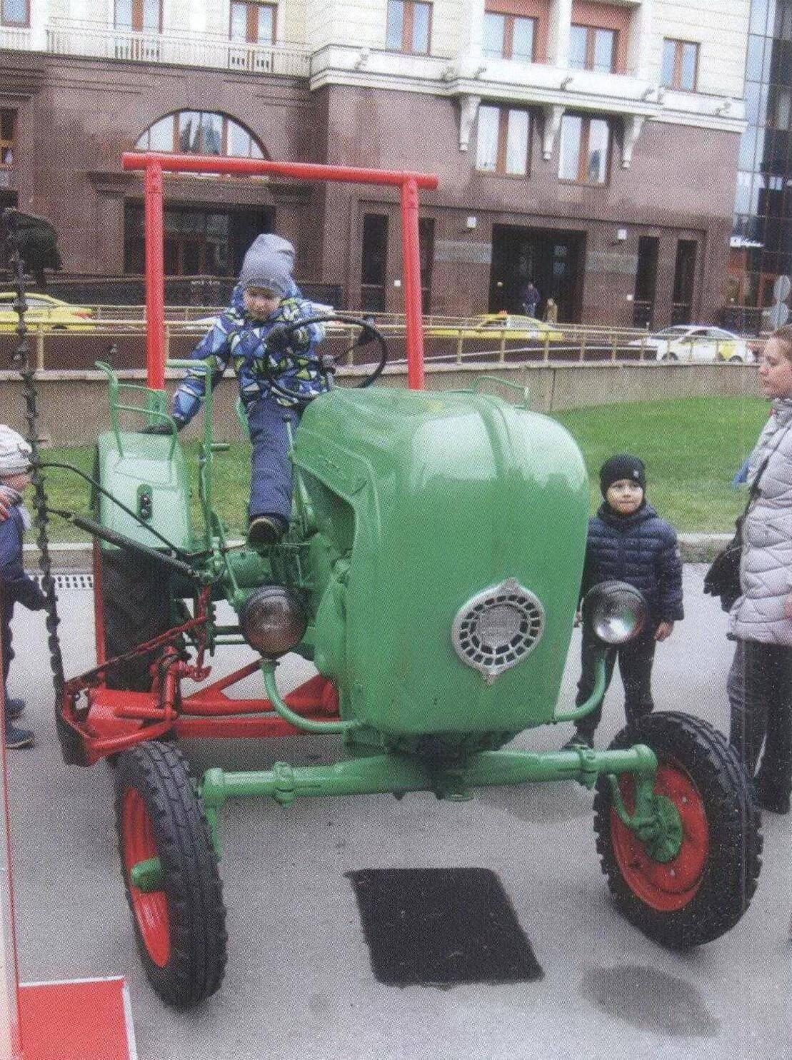 Немецкий трактор Порше A III выпуска 1952 года