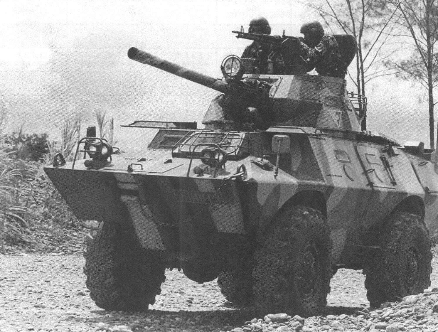 «Коммандо» V-150S с 90-мм пушкой «Мекар» армии Индонезии