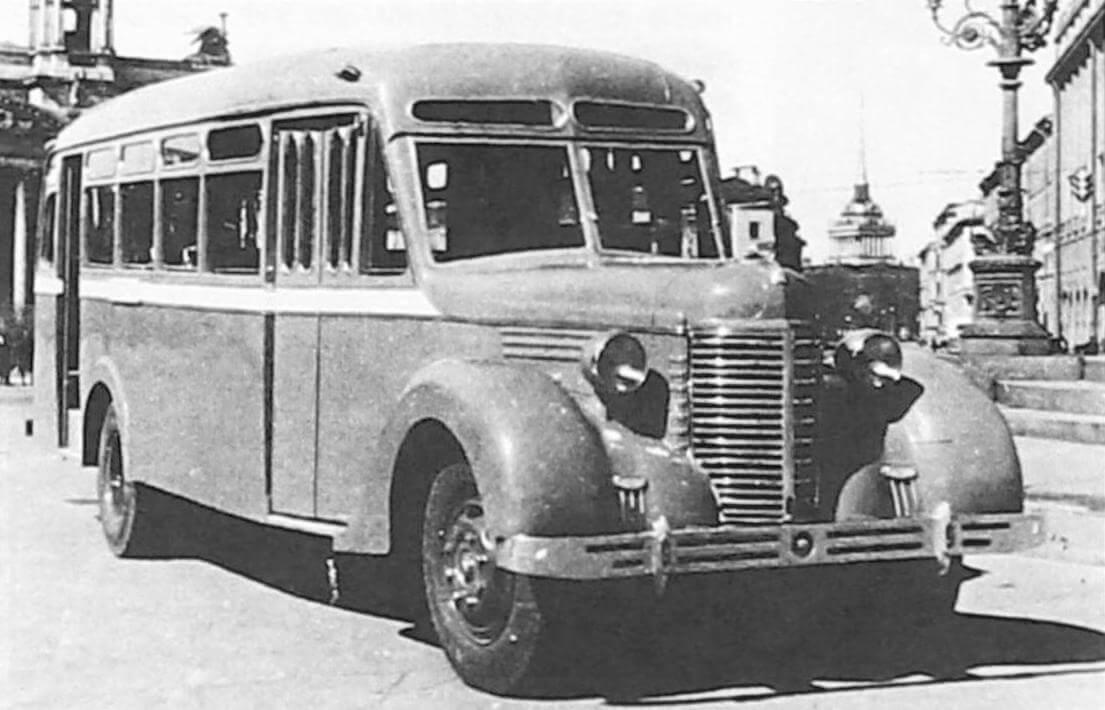 Автобус Л-4 на Исаакиевской площади, Ленинград, 1949 год