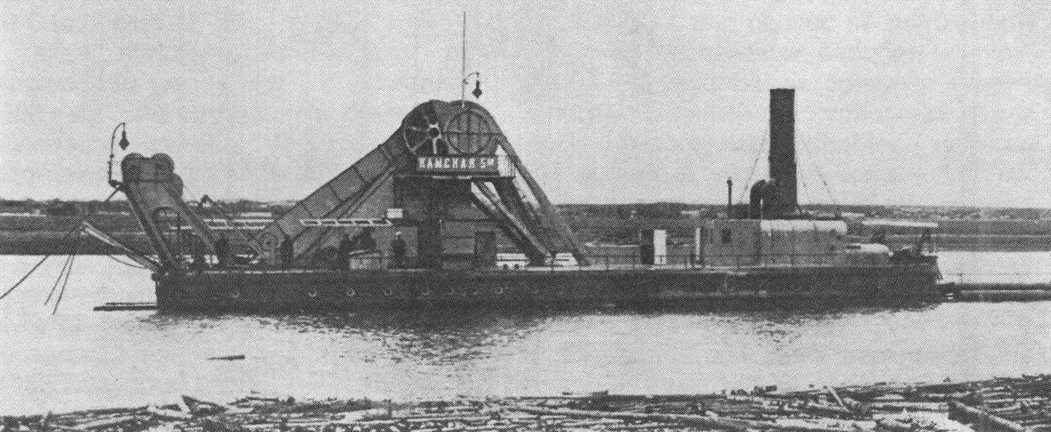 Приемочные освидетельствования дноуглубительных снарядов «Камская-4» и «Камская-5» (фото внизу) на реке Кама в 1912 году