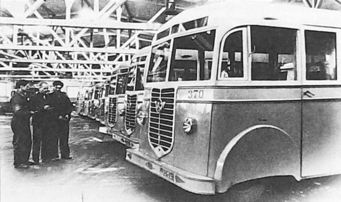 Приемка автобусов Л-1, Ленинград, 1946- 1947 годы (фото предоставлено ООО «ТД «СПАРЗ»)