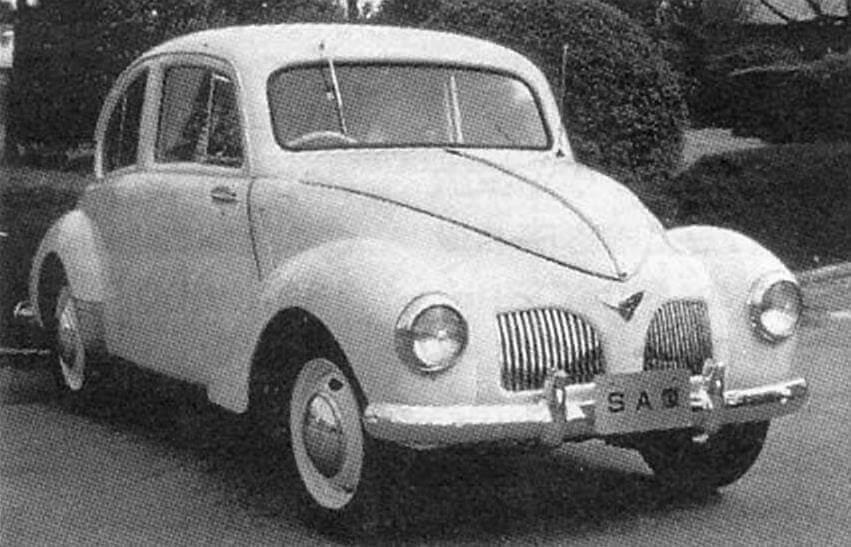 Первый послевоенный автомобиль фирмы Toyota - компактная малолитражка Toyopet SA с 27-сильным мотором