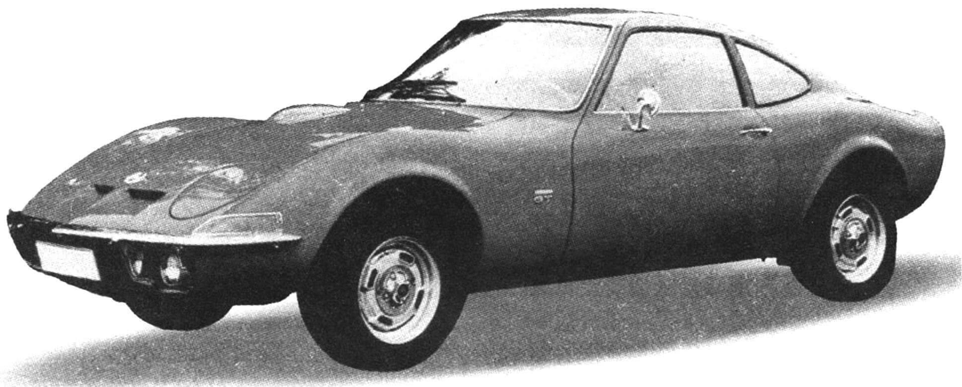 OPEL GT 1900 1967 года — недорогая спортивная машина на базе автомобиля OPEL KADETT (1,9 л, 90 л.с., 185 км/ч)