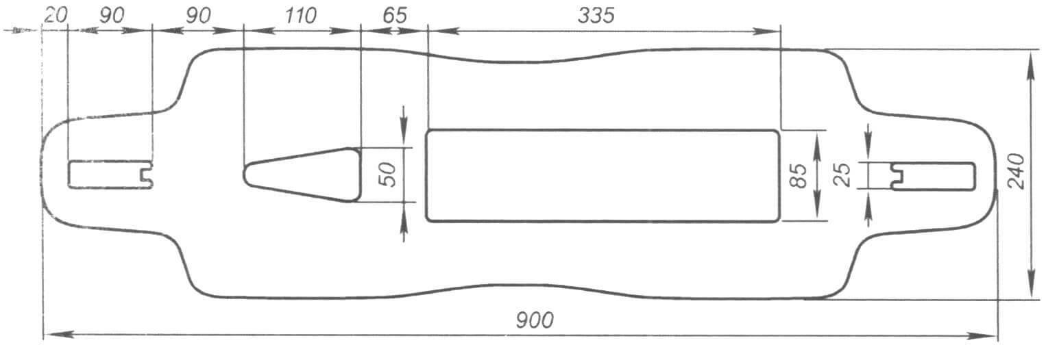 Эскиз доски. Она вырезана из фанеры толщиной 16 мм, под АКБ выбрано углубление 5 мм