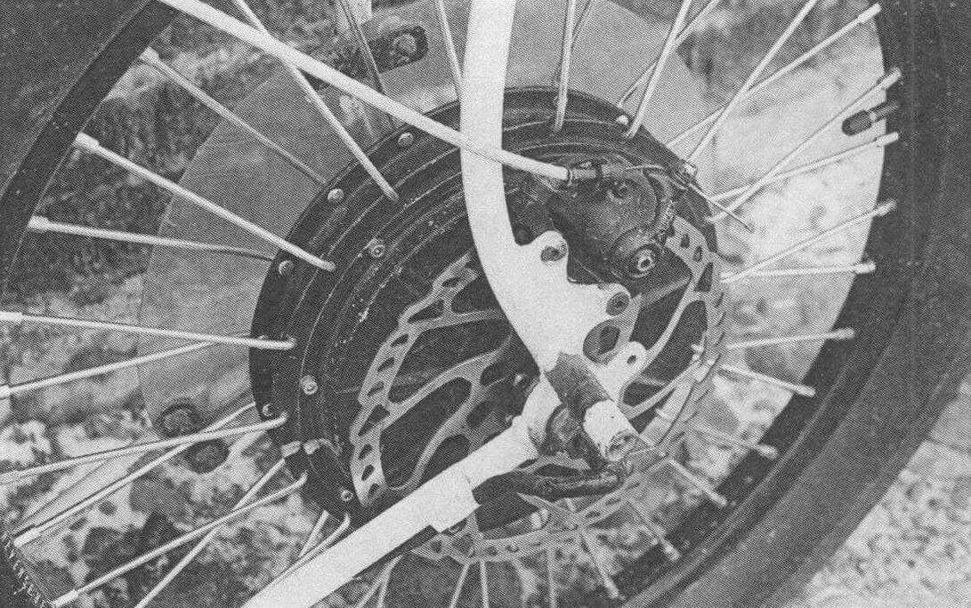 350-ваттный мотор наделяет мопед неплохой динамикой