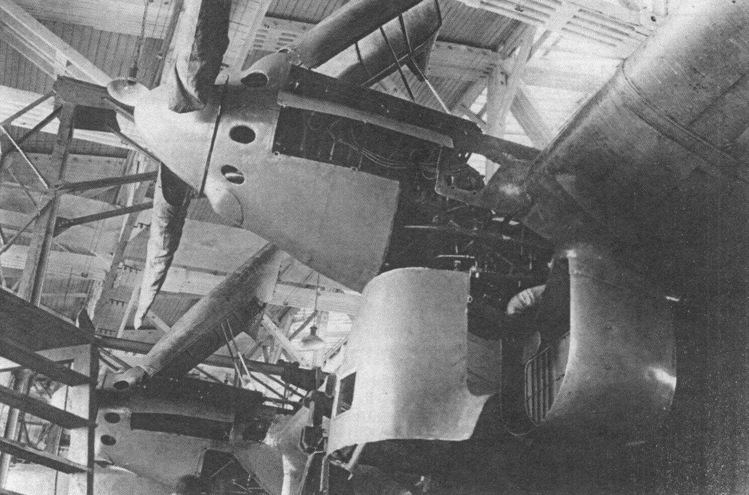 Левая крайняя мотоустановка опытного обратна ДБА с двигателем М-34РНА и двухлопастными винтами