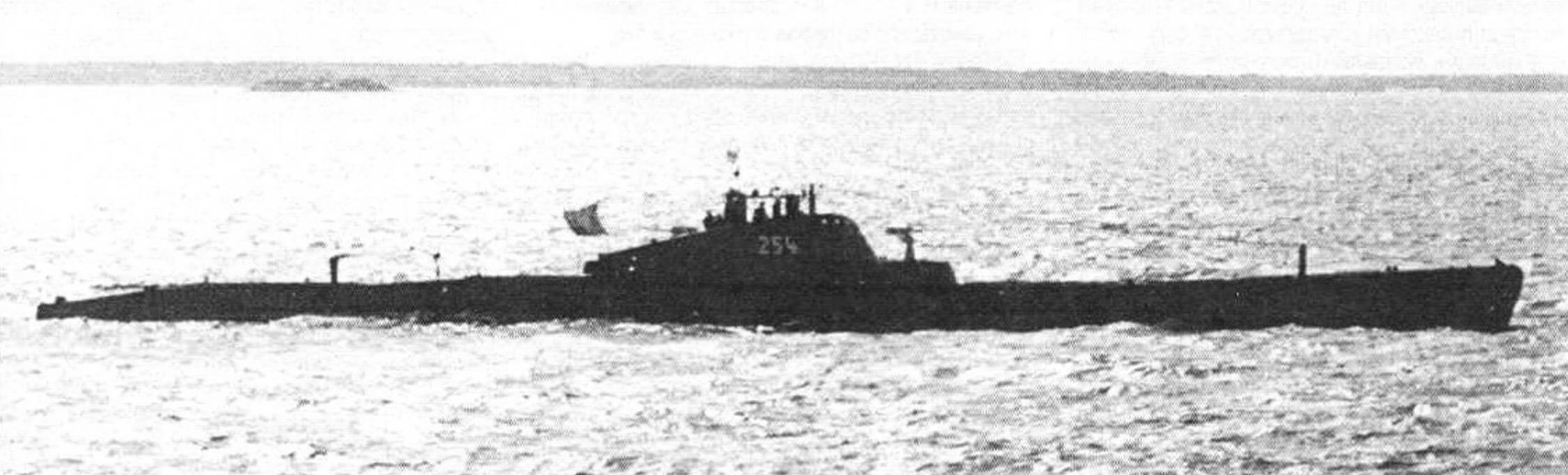Подводная лодка Щ-314 (будущая Щ-402) под заводским номером 254 на ходовых испытаниях (весна-осень 1936 года)