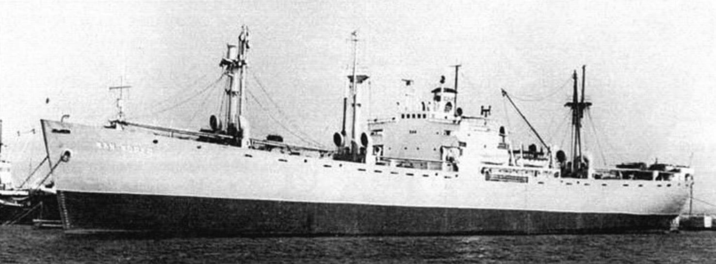 «Жан Жорес» (фотография мирного времени). В одном из военных рейсов из-за образовавшейся во время шторма трещины корпуса судно оказалось на грани катастрофы, но смогло дойти до порта, было отремонтировано и служило до 1974 года