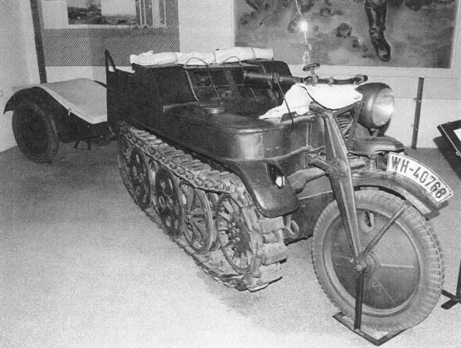 Sd.Kfz.2 был способен буксировать прицеп весом до 450 кг