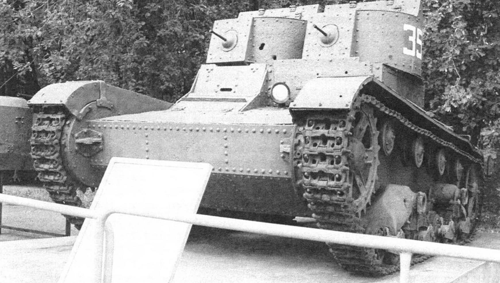 Ранние Т-26 почти ничем не отличаются от британского танка Vickers Mk. Е Model А