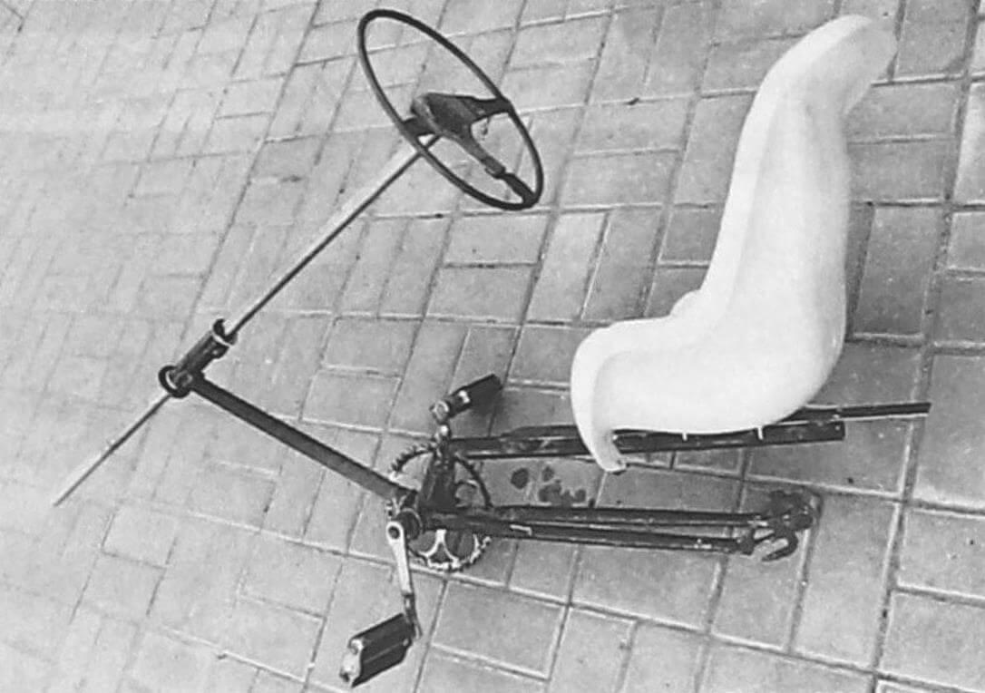 Велокарт в процессе постройки. В основе его рамы и привода использованы части старого велосипеда