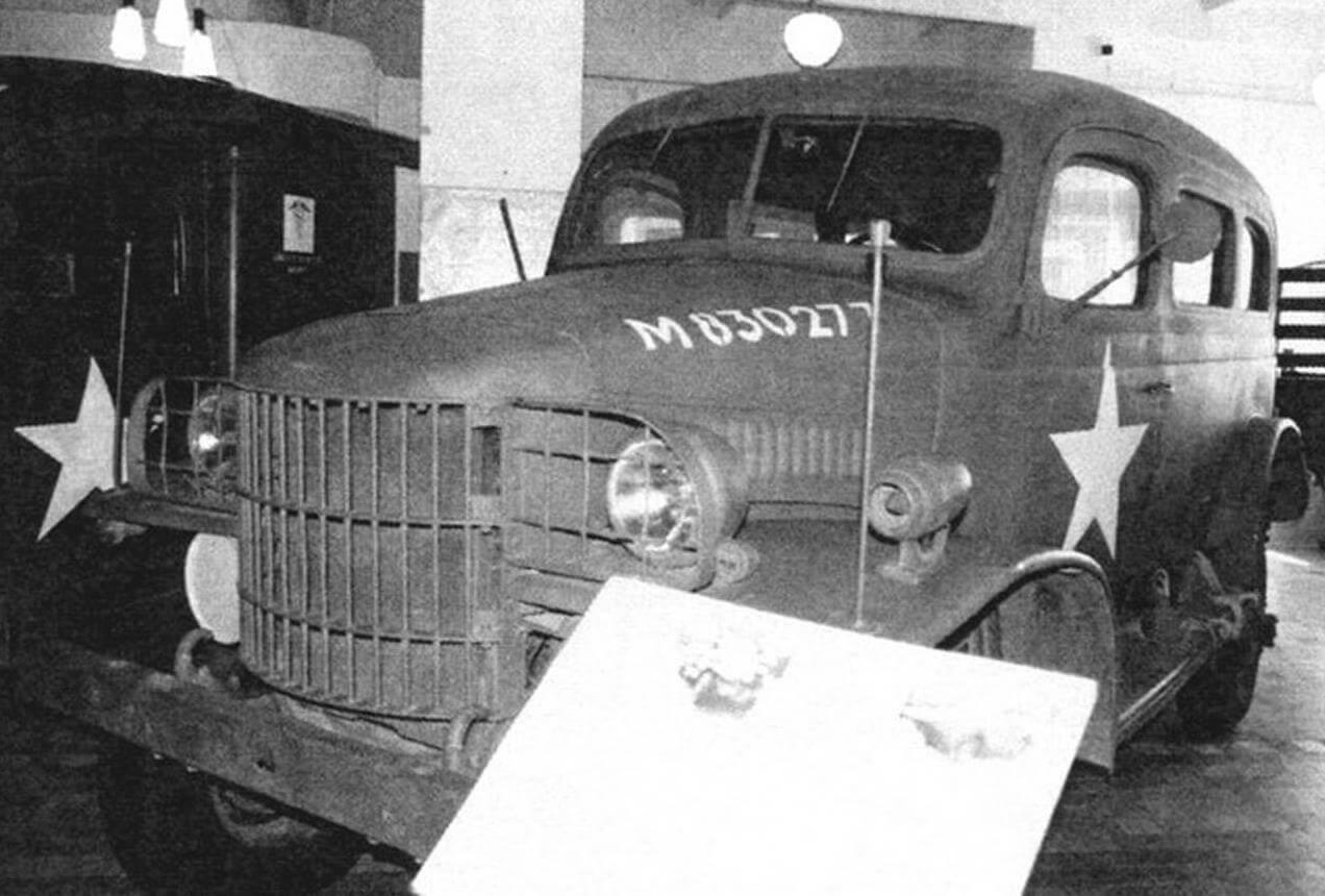 Производство автомобиля Dodge серии Т207 - предшественника Dodge 3/4 начали в 1940 году