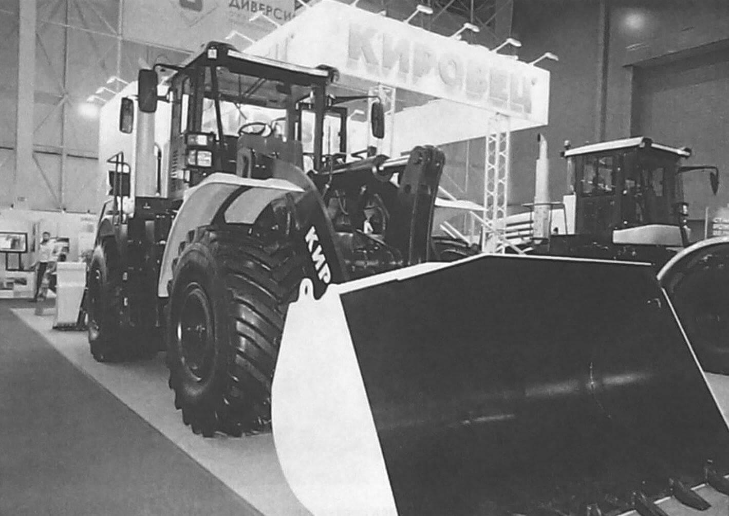 Современная продукция Петербургского тракторного завода: универсальная дорожная машина К-708УДМ