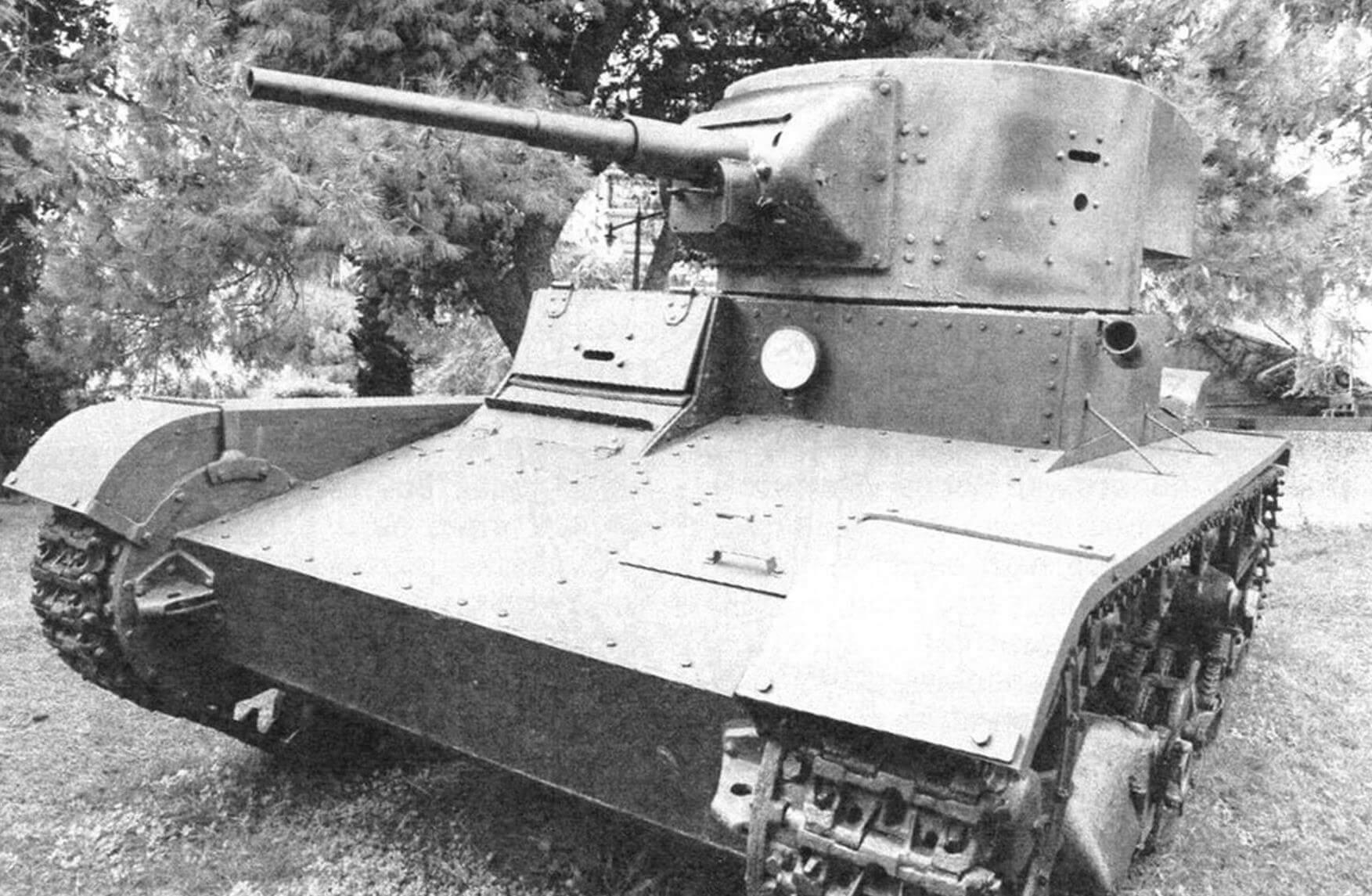 Танк Т-26 образца 1933 года в военном музее в Стамбуле