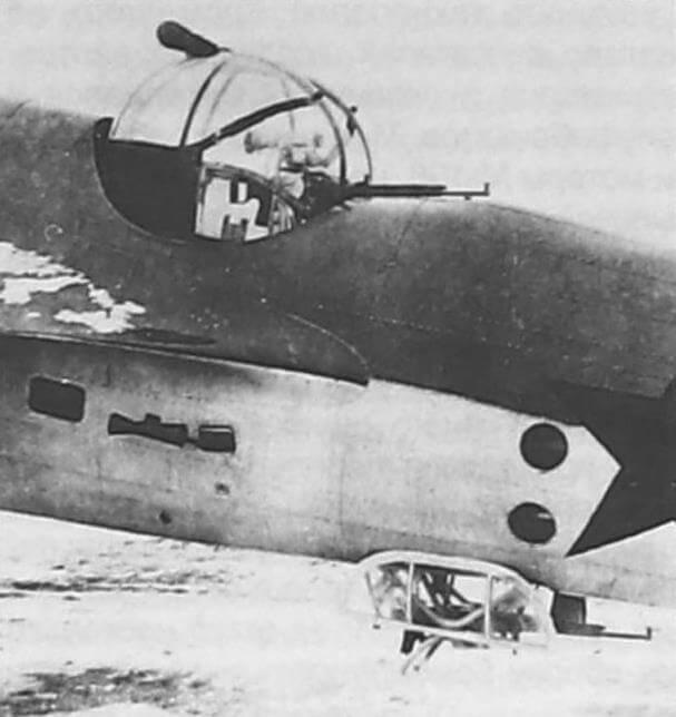 Вариант вооружения с турелью МВ-3 сверху и убирающейся МВ-2 снизу