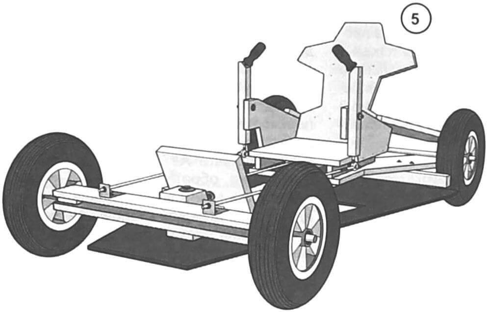 Ставим машину на колеса. Они жестко крепятся к осям, управление осуществляется за счет поворота передней балки