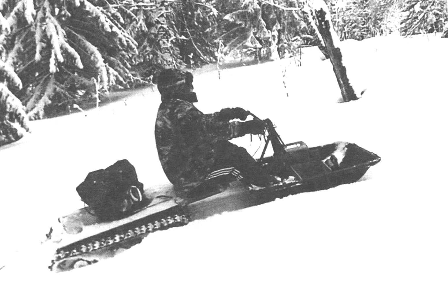 От веса машины, площадей активной и пассивной поверхностей, а также от соотношения этих величин зависит проходимость снегохода по снежной целине