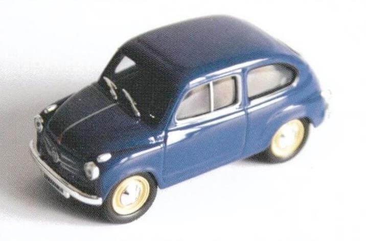 Модель раннего Fiat 600, производства Altaya, хотя и простенькая, но неплохо передает образ реального прототипа