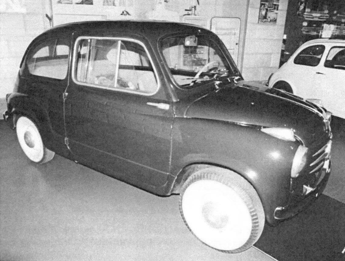 Ранний образец Fiat 600 в автомобильном музее в Турине