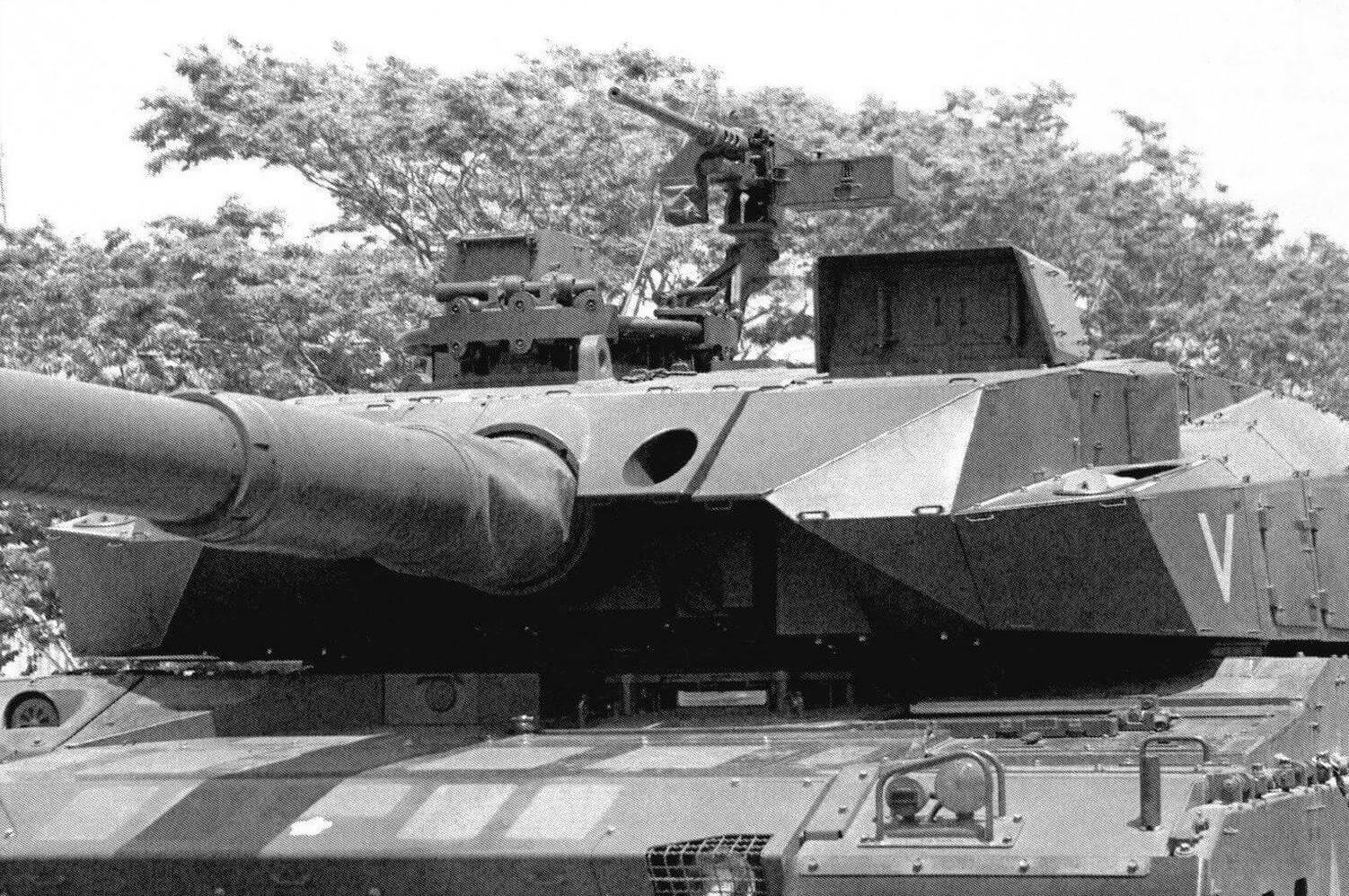 Башня танка «10» крупным планом